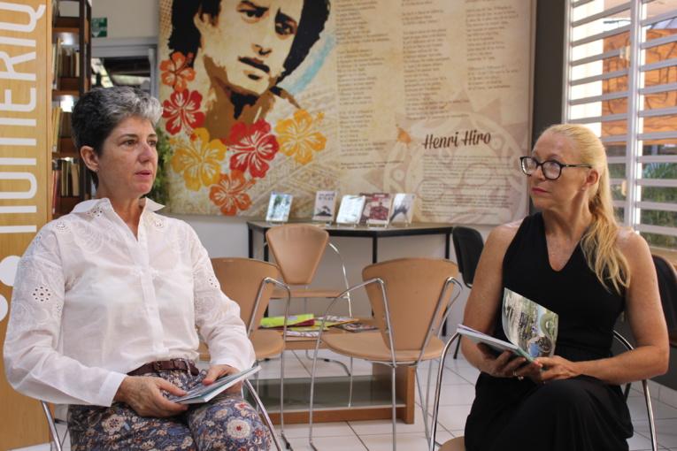 Yolande Vernaudon, déléguée au suivi des conséquences des essais nucléaires et Mylène Raveino, responsable des activités permanentes et des bibliothèques de la Maison de la culture.
