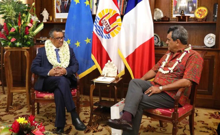 Le Dr Tedros Adhanom Ghebreyesus, Directeur général de l'Organisation mondiale de la santé (OMS),  et le Président de la Polynésie française, Edouard Fritch. Crédit Présidence de la Polynésie française.