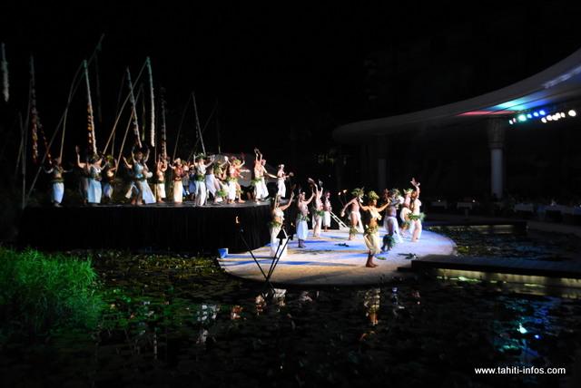 L'authenticité de Temaeva investit la scène du Te Hura Nui