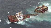 Nouvelle-Zélande: le pétrolier échoué brisé en deux par la tempête