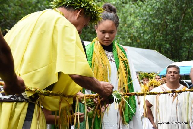 Un des moments forts de la cérémonie, la coupure du ruban en 'auti.