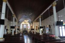 L'église de San Pedro fut la première église catholique bâtie grâce aux Portugais dans le détroit de Malacca. Elle est aujourd'hui très bien  entretenue par la communauté catholique de la ville.