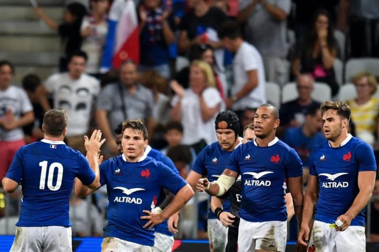 XV de France: dernier appel avant embarquement pour le Japon