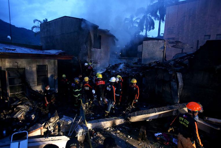 Philippines : neuf morts dans le crash d'un avion ambulance