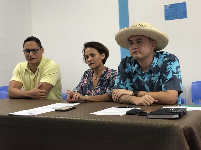 Vannina Crolas, secrétaire général du Tavini Huiraatira, aux côtés de Heinui Le Caill et de Steeve Chailloux  secrétaire généraux adjoints du parti indépendantiste.