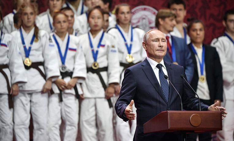 A Vladivostok, la Russie annonce de grands projets tournés vers l'Asie