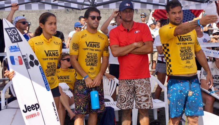 Michel Bourez, Hira Teriinatoofa et Vahine Fierro font partie de l'équipe de France