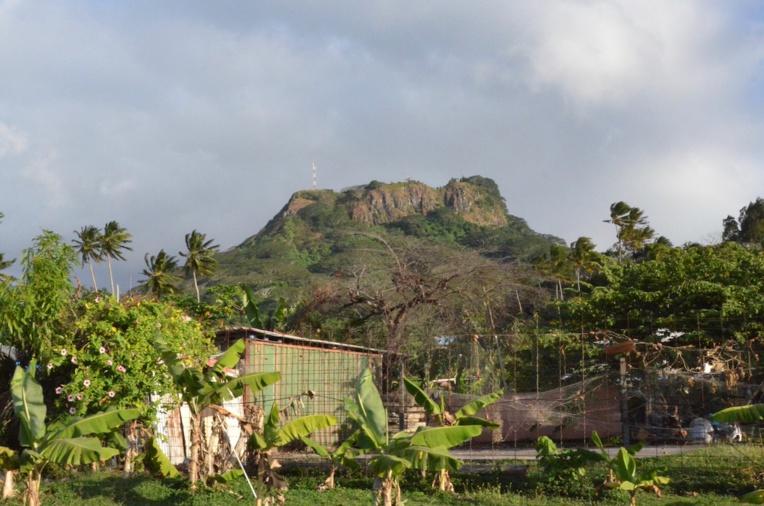 Un adolescent chute mortellement du mont Tapioi à Raiatea