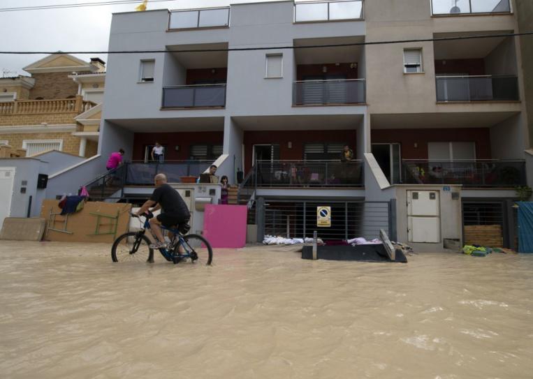 Espagne: quatrième mort dans les inondations du sud-est