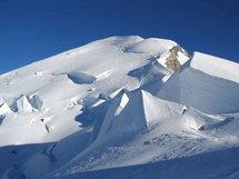 """Solutions """"pérennes"""" pour la poche d'eau sous un glacier du Mont-Blanc"""