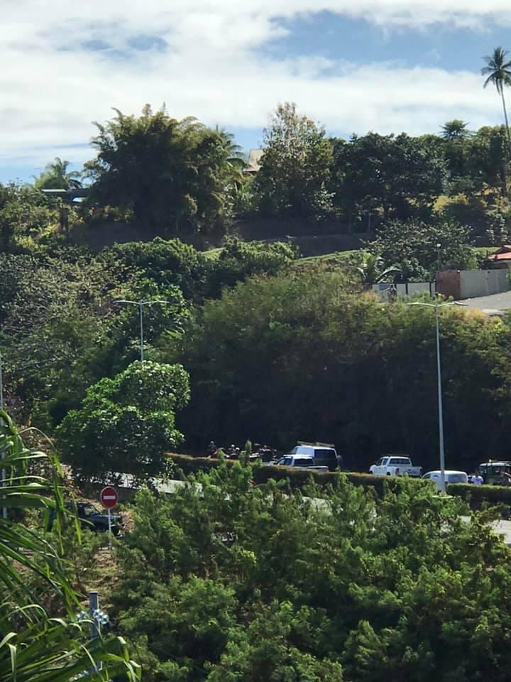 """Un """"Kia Master"""" chute de 15 mètres sur la RDO, le conducteur indemne (MAJ)"""