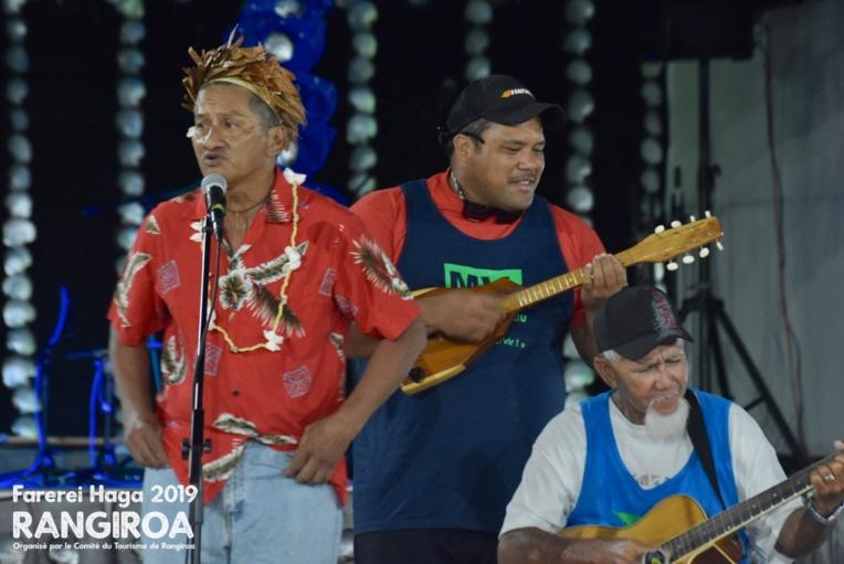 Pour la première soirée de spectacle, lundi, le public a eu droit à un concours de chant.