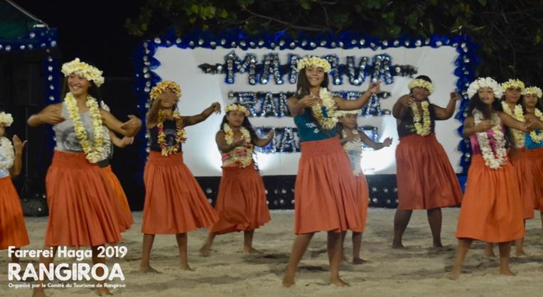 L'école de danse traditionnelle Turereura a clôturé la première soirée du Farerei Haga.