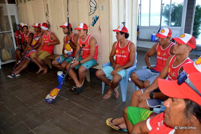 L'équipe attendant de passer le test anti-dopage. Le processus complet a pris 20 minutes.