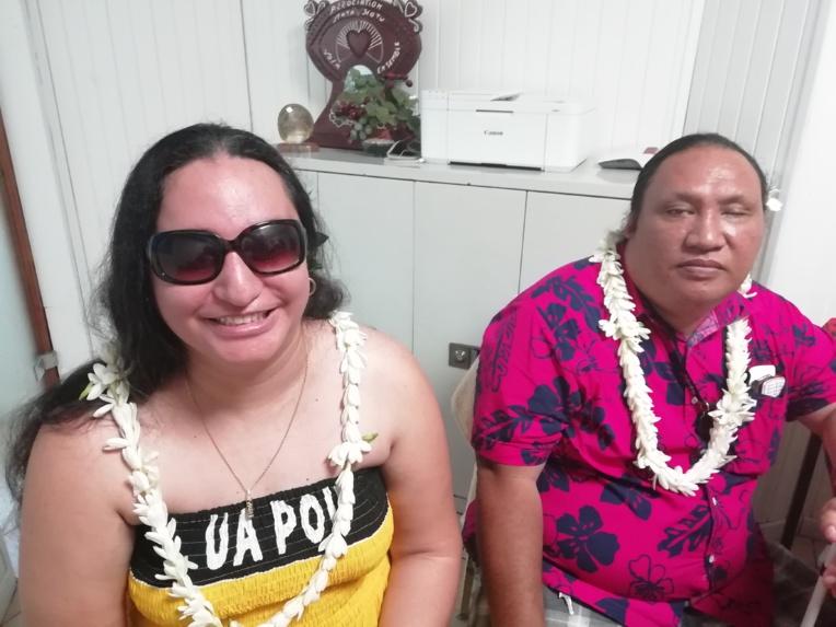 La vice-présidente et le président de Mata Hotu.