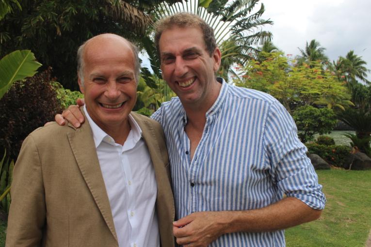 Paul Dewandre (à gauche), auteur et acteur et Thierry Garcia, imitateur aux Guignols de l'info depuis 12 ans et acteur.