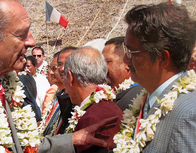 Hommage du maire d'Arue à Jacques Chirac