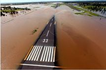 Australie: un mort et des milliers d'évacués à cause des inondations