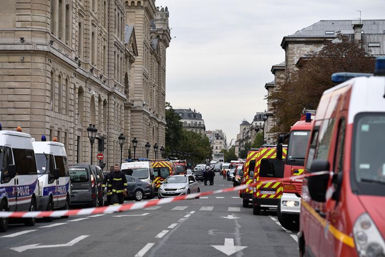 Attaque à la préfecture de police de Paris: quatre policiers tués, l'auteur abattu