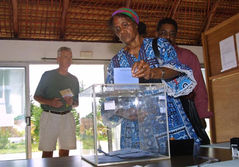 Nelle-Calédonie: le choix de la date du deuxième référendum sème la polémique