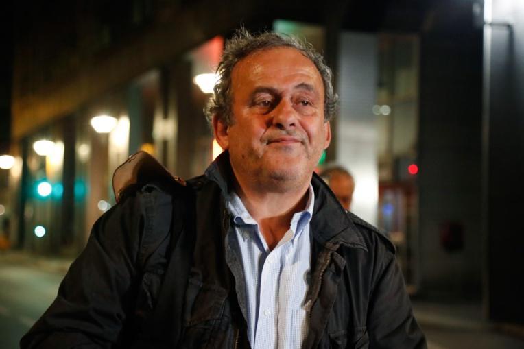 """Platini n'est plus suspendu par la FIFA, le """"Fifagate"""" demeure"""