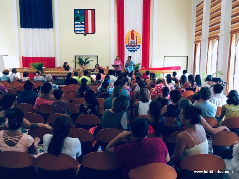 Isabelle Sachet a organisé une assemblée des agents de la DSFE, vendredi après-midi à la mairie de Pirae.