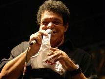 Brésil: des fans offrent leurs culottes en dernier hommage à un chanteur