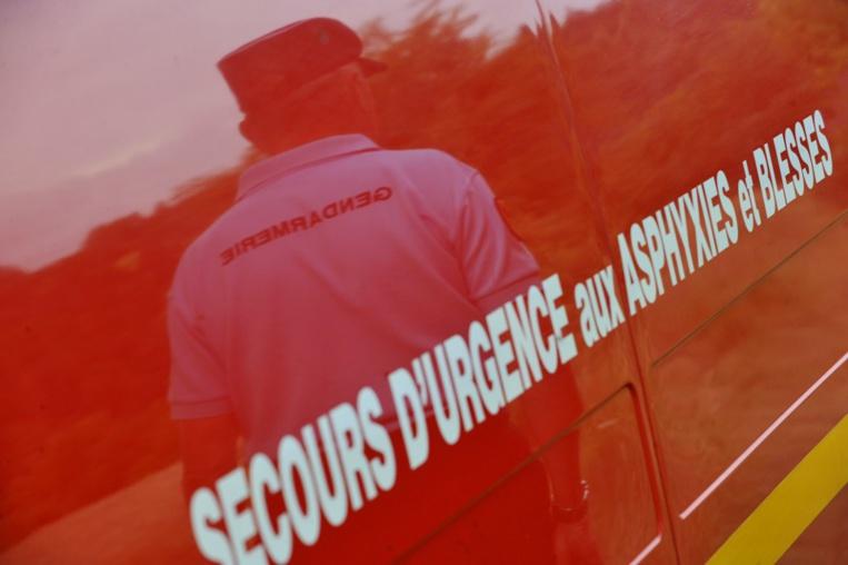 Guadeloupe: gendarmes et pompiers pris pour cibles sur des barrages routiers