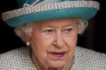 Il a montré ses fesses à Elizabeth II et se dit prêt à recommencer