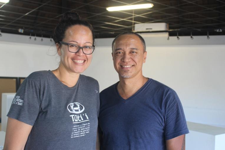Heiata Aka (A.K) et Teva Fauura (Art Kea) exposent cette semaine des tableaux et des bijoux à la Maison de la culture.