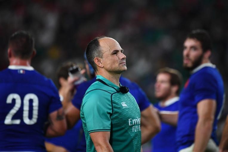 L'arbitre de Galles-France, non retenu pour les demies, s'excuse pour son geste