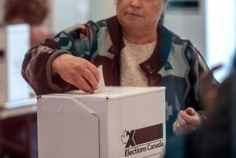 Victorieux mais affaibli, Trudeau va devoir chercher des appuis
