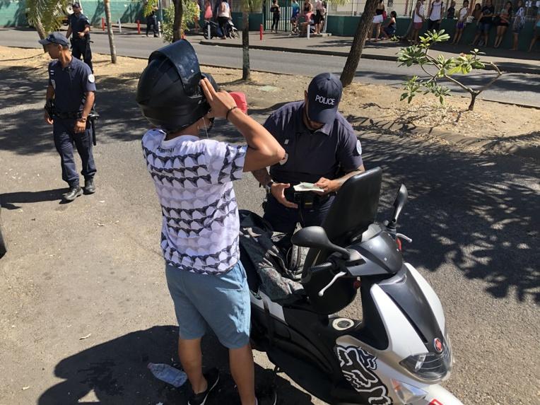 15 policiers et deux douaniers ont été mobilisés mercredi aux abords des lycées du Diadème, de Bon Bosco et du collège Maco Tevane.