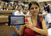 """Une """"tablette numérique à bas prix"""" pour les défavorisés dans le monde"""