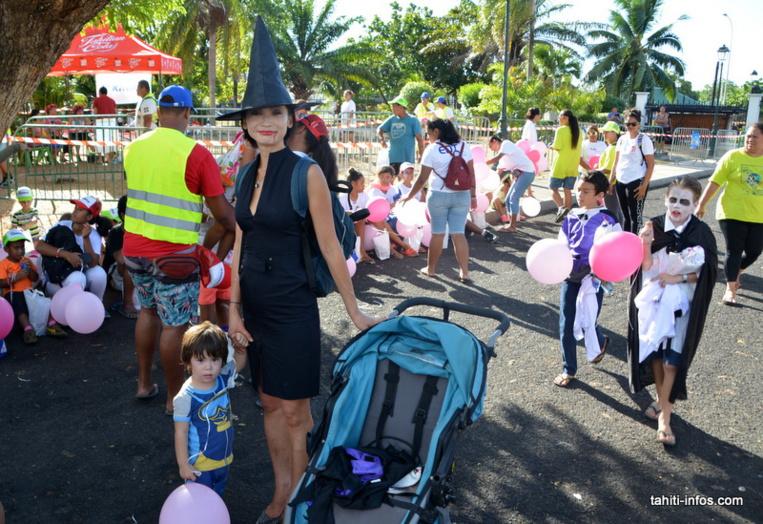 les enfants et les parents étaient invités à se déguiser