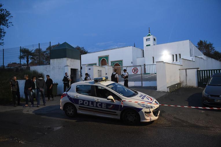 La mosquée de Bayonne prise pour cible : deux blessés, le tireur présumé interpellé