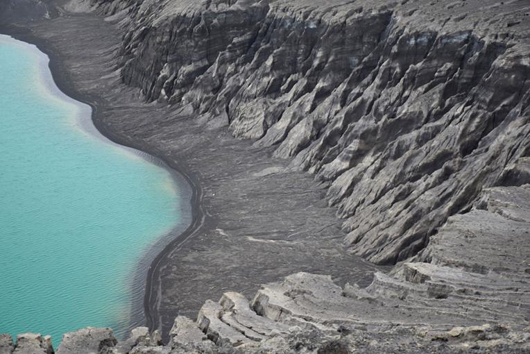 Une éruption volcanique sous-marine remontant à 2014 avait aussi donné naissance à une île qui est aujourd'hui couverte de végétation et peuplée d'oiseaux (photo d'archives).