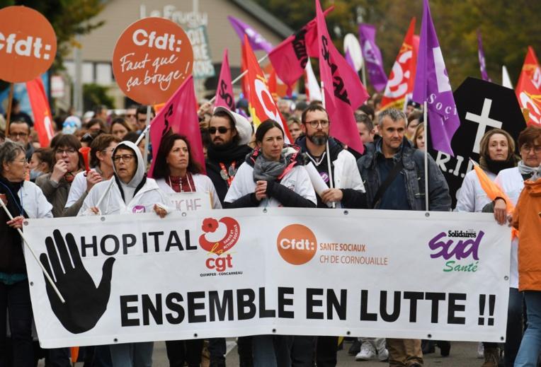 """Crise sociale: l'exécutif redoute la """"coagulation"""" du 5 décembre"""