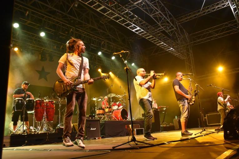 Jacob Hemphill, leader du groupe, et ses compagnons n'ont pas manqué d'énergie sur la scène de To'ata.