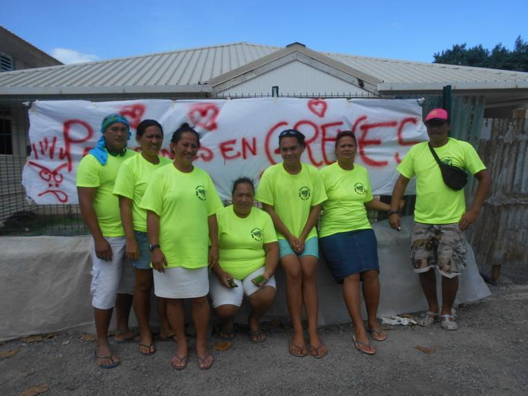 Les cantiniers de Ta'u Tama Here lors de la grève de 2017 à Moorea.