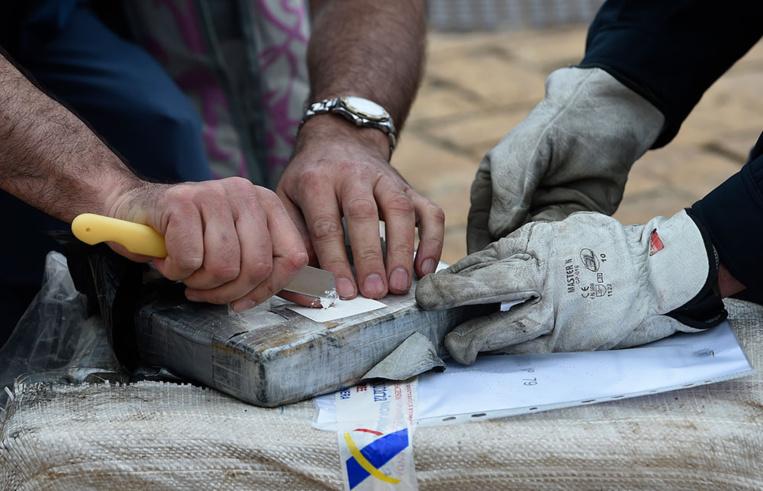 Un sous-marin rempli de cocaïne intercepté en Espagne