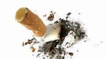 Indonésie: à 8 ans, un fumeur déjà invétéré en cure de désintoxication