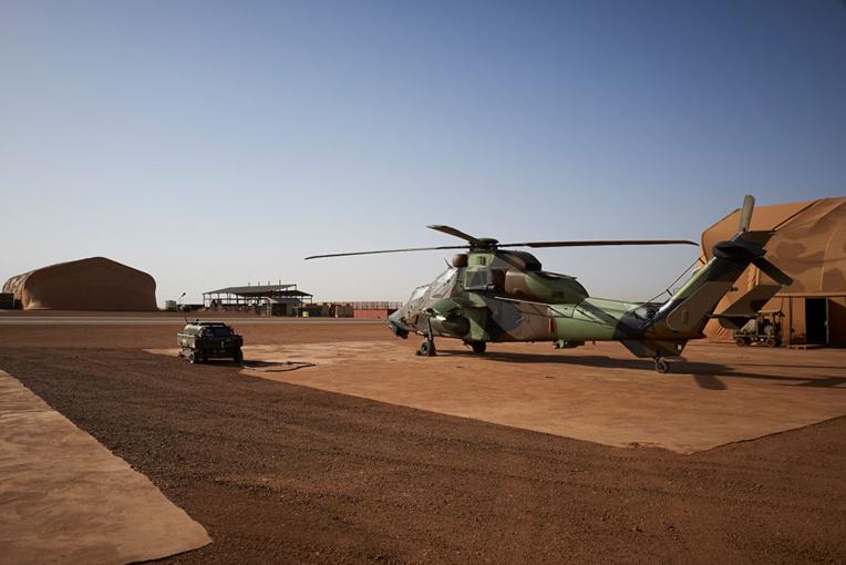 """Sahel: Macron prêt à revoir les """"modalités d'intervention"""" de la France et en appelle aux alliés"""