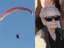 Une américaine de 101 ans devient la femme la plus âgée à voler en parapente