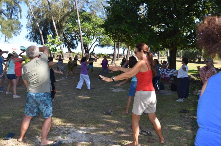 Initiation au taï-chi au Musée de Tahiti et des îles à Punaauia.