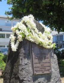 Les anciens de l'aviation honorent Paul Bernard