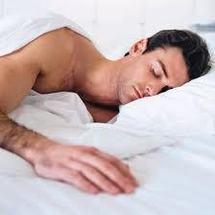 Dormir trop ou pas assez est mauvais pour le coeur, révèle une étude