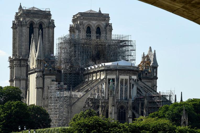 Notre-Dame: préparatifs complexes et géants pour le démontage de l'échafaudage