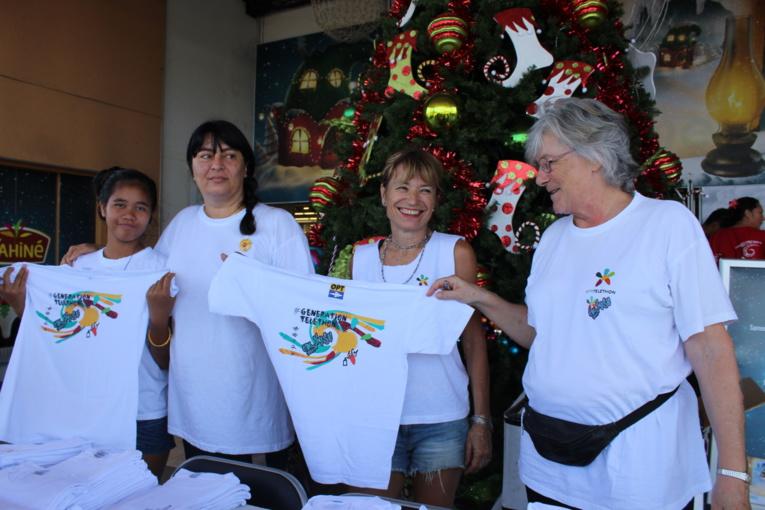 Ventes de t-shirts au profit du Téléthon.