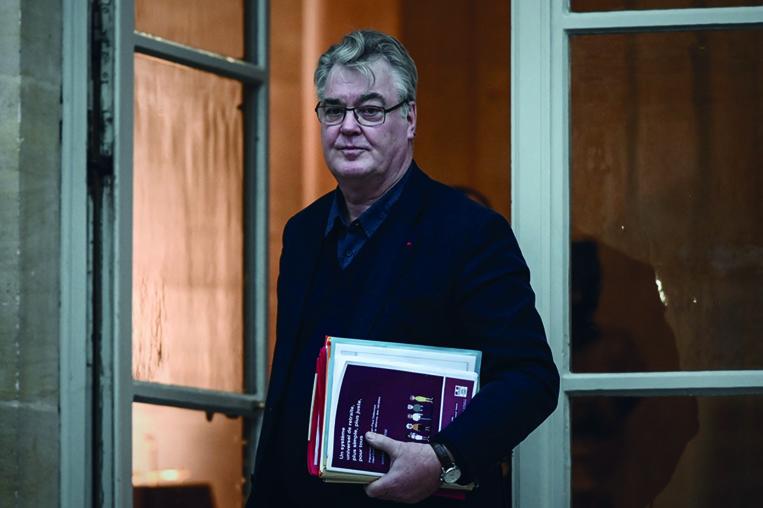 Retraites: accusé de conflit d'intérêts, Delevoye démissionne d'un institut de formation